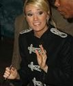 Carrie_Underwood_greets_6d49