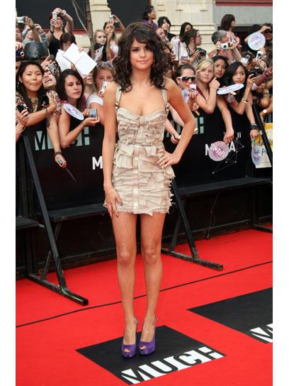 05-selena-gomez-best-dressed - Mary.com Girl Games Blog Blake Lively