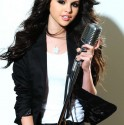 Selena Gomez singing in photo shoot (7)