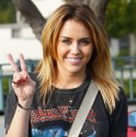 miley-cyrus-5-inch-shorter-haircut_300x300