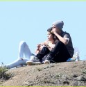 Selena Gomez and Justin Bieber have a picnic in Griffith Park